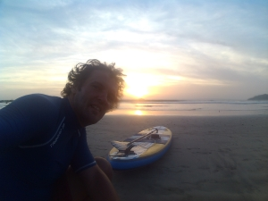 Puesta del Sol mit Paddelboard und Isla Capitan